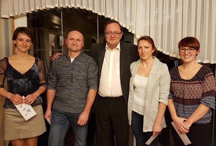 Mitarbeiter-Jubil&auml;um 2016></p> <p>&nbsp;</p> <p>Regina Schreiber, Josef Hompf, Willi Heller, Helene Beifuss und Linda Schwarzer<br>(von links nach rechts)</p> <p>&nbsp;</p> <p>In allen Gesch&auml;ftsbereichen bietet das Ingenieurb&uuml;ro Heller bestm&ouml;gliche Beratung mit Alternativen, Planung und Ausf&uuml;hrung der uns gestellten Aufgaben. Wir garantieren Ihnen kreative, kosteng&uuml;nstige und pr&auml;zise L&ouml;sungen.</p>       <!-- Ende Inhaltsbereich Box links Textbereich --> </div>   <!-- Ende Inhaltsbereich Box links --> </div>  <!-- Inhaltsbereich Box rechts --> <div class=